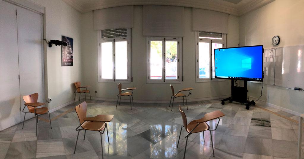 Aulas-Interactivos-y-Videoconferencia-en-Universidad-de-Schiller